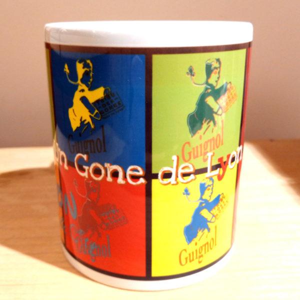 Mug illustré par la Tribu des Gones, Guignol Pop (guignols sur plusieurs fonds colorés), vue face