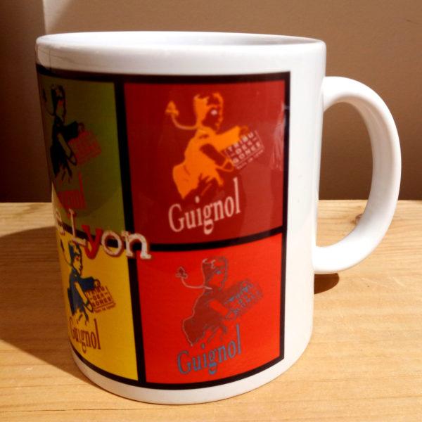 Mug illustré par la Tribu des Gones, Guignol Pop (guignols sur plusieurs fonds colorés), vue gauche