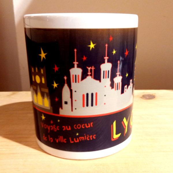 Mug illustré par la Tribu des Gones, Lyon voyage au coeur de la ville Lumière, vue face